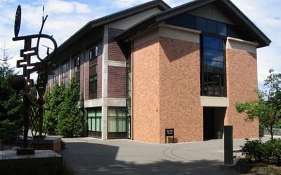 Lewis & Clark College